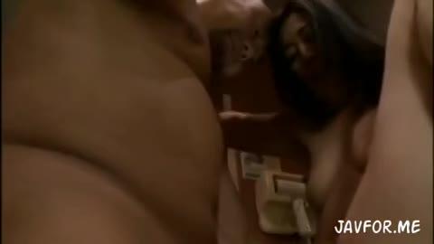淫乱の熟女の淫語無料obasan動画。絶倫男とのセックスにハマり淫語を...