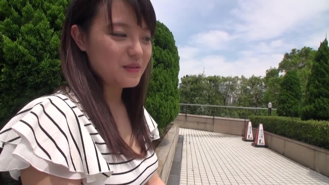 G-AREA「つかさ」ちゃんはお酒好きで陽気な巨乳カフェ店員 無料01(17分)